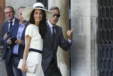 George Clooney e sua mulher, Amal Alamuddin, chegam para casamento civil em Veneza.  REUTERS/Alessandro Bianchi