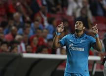 Atacante do Zenit Hulk em partida contra o Benfica pela Liga dos Campeões em Lisboa. 16/09/2014 REUTERS/Rafael Marchante