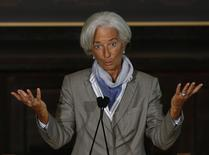 La directora gerente del Fondo Monetario Internacional, Christine Lagarde, en una rueda de prensa en la Universidad de Georgetown en Washington, oct 2 2014. La economía mundial podría quedarse un largo tiempo estancada en una situación de débil crecimiento, con países tratando de salir de un pasado de fuerte endeudamiento y desempleo, dijo el jueves la directora gerente del Fondo Monetario Internacional (FMI).    REUTERS/Gary Cameron