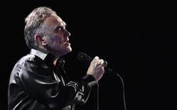 Cantor britânico Morrissey durante show em Festival em Viña del Mar. 21/02/2012 REUTERS/Eliseo Fernandez