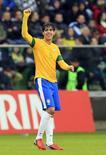 Kaká comemora gol do Brasil em amistoso contra o Japão, em 16 de outubro de 2012.    REUTERS/Tobias Schwarz
