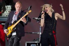 Sting y Gwen Stefani de No Doubdt se presentan durante el concierto Global Citizen Festival en central park, Nueva York. Imagen de archivo, 27 septiembre, 2014.  La banda de punk rock Green Day, los rockeros Nine Inch Nails y el cantante Sting figuran entre los nominados anunciados el jueves para ingresar en el 2015 al Salón de la Fama del Rock and Roll. REUTERS/Carlo Allegri