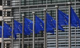 Des responsables européens tentent de convaincre les autorités françaises et italiennes de modifier leurs projets de budgets pour 2015 avant de les transmettre à la Commission européenne la semaine prochaine pour éviter un probable jugement négatif de sa part, selon des sources européennes. /Photo prise le 10 septembre 2014/REUTERS/Yves Herman