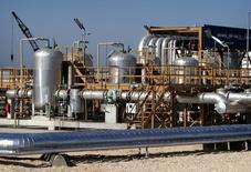 Vista general del terminal de petróleo Neka, a 300 km al norte de Tehran. Imagen de archivo, 29 abril, 2004. El viceministro del Petróleo de Irán dijo el martes que la reciente caída en los precios del crudo será breve y que es improbable que afecte el presupuesto del miembro de la Organización de Países Exportadores de Petróleo (OPEP), reportó la agencia de noticias Shana. Reuters