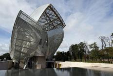 A general view shows the Fondation Louis Vuitton designed by architect Frank Gehry in the Bois de Boulogne, western Paris, October 17, 2014. REUTERS/Benoit Tessier