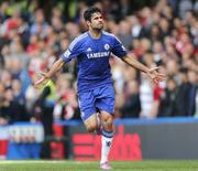 Diego Costa comemora gol do Chelsea contra o Arsenal em Londres. 5/10/2014 REUTERS/Stefan Wermuth