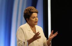 Presidente Dilma Rousseff, candidata à reeleição pelo PT, durante debate na TV, em São Paulo. 19/10/2014 REUTERS/Nacho Doce
