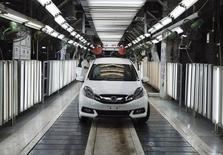 A Honda Mobilio car is pictured at the production line at a Honda plant in Greater Noida on the outskirts of New Delhi July 21, 2014. REUTERS/Adnan Abidi