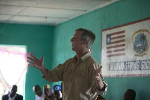 Don't let quarantine hysteria deter Ebola health workers: U.N