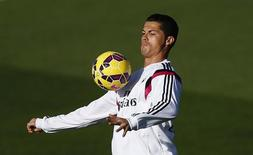 Cristiano Ronaldo durante treino do Real Madrid. 24/10/2014 REUTERS/Susana Vera
