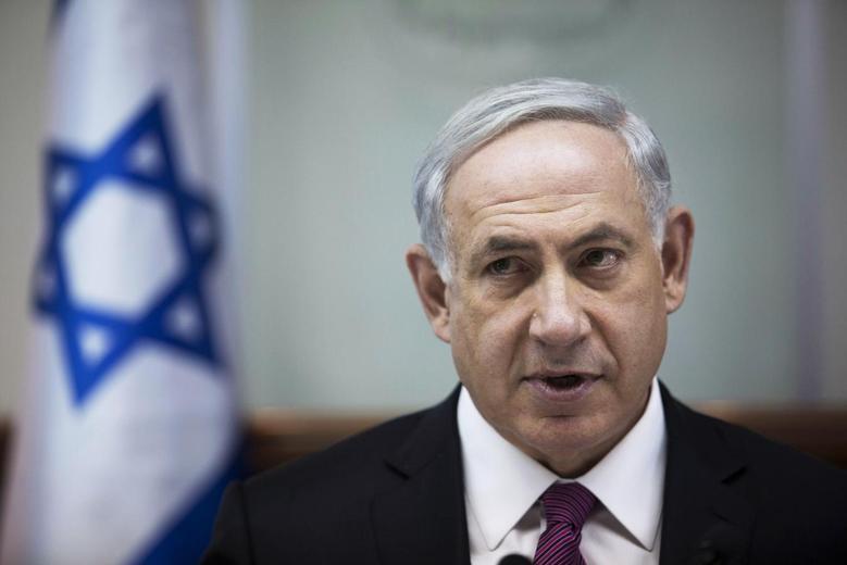 Israel's Prime Minister Benjamin Netanyahu attends the weekly cabinet meeting in Jerusalem October 26, 2014. REUTERS/Abir Sultan/Pool