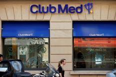 L'homme d'affaires italien Andrea Bonomi entretient le suspense sur ses intentions vis-à-vis de Club Méditerranée, à trois jours de la date butoir du jeudi 13 novembre pour déposer une offre améliorée sur le groupe de loisirs.  /Photo prise le 24 juillet 2014/REUTERS/Benoît Tessier