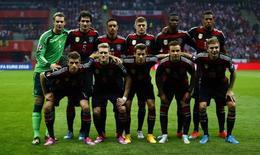 Seleção da Alemanha posa para foto antes de jogo com a Polônia em Varsóvia. 11/10/2014  REUTERS/Kacper Pempel