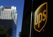 A United Parcel Service (UPS) truck on delivery is pictured in downtown Los Angeles, California October 29, 2014. REUTERS/Mike Blake