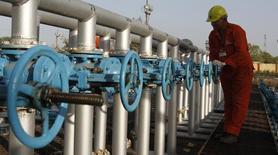 Газосборный пункт компании Oil and Natural Gas Corp (ONGC) в окрестностях индийского города Ахмедабад 2 марта 2012 года. Группа четырёх стран, планирующих строительство газового трубопровода из Туркмении в Пакистан и Индию через Афганистан, в начале следующего года изберёт компанию, которая возглавит амбициозный проект, сообщила в пятницу газета Нейтральный Туркменистан. REUTERS/Amit Dave