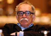 Imagen de archivo del premio Nobel colombiano Gabriel García Márquez en un seminario sobre periodismo en Monterrey, México, sep 1 2008. Una biblioteca de la Universidad de Texas adquirió los archivos del escritor ganador del Nobel Gabriel García Márquez, cuyas cautivantes historias de amor y nostalgia llevaron a América Latina a millones de lectores en todo el mundo. REUTERS/Tomas Bravo