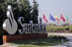 Entrada da sede do banco Santander em Boadilla del Monte, nos arredores de Madri. 10/09/2014. REUTERS/Andrea Comas
