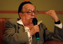 Mexican actor and writer Roberto Gomez Bolanos, better known as Chespirito, speaks during a news conference in Bogota June 23, 2009. REUTERS/John Vizcaino