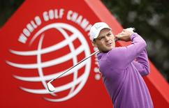 Martin Kaymer of Germany tees off on the third hole during the final round of the WGC-HSBC Champions golf tournament in Shanghai November 9, 2014. REUTERS/Aly Song
