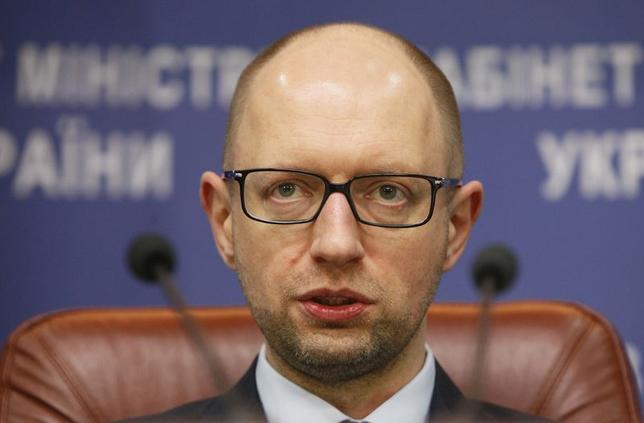12月3日、欧州株式市場が一時的に上げ幅を縮小した。トレーダーによると、ウクライナの原子力発電所で事故があったとの報道が材料となっている。写真は、ウクライナのヤツェニュク首相、11月撮影(2014年 ロイター/Valentyn Ogirenko)