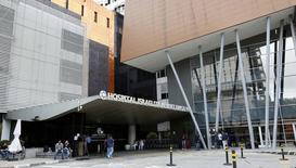 Hospital onde Pelé está internado em São Paulo. 28/11/2014 REUTERS/Paulo Whitaker