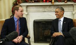 Obama conversa com príncipe William na Casa Branca. 08/12/2014. REUTERS/Kevin Lamarque