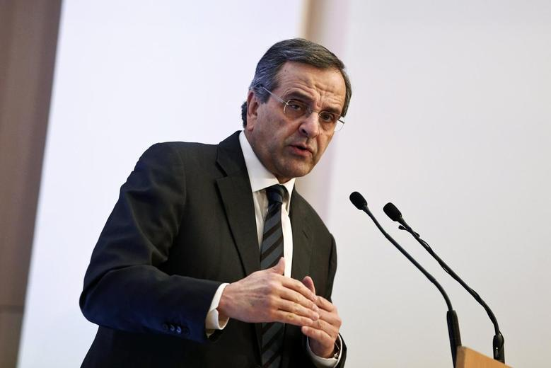 Greece's Prime Minister Antonis Samaras delivers a speech during an event of the Hellenic Confederation of Commerce and Enterpreneurship in Athens December 10, 2014.  REUTERS/Alkis Konstantinidis