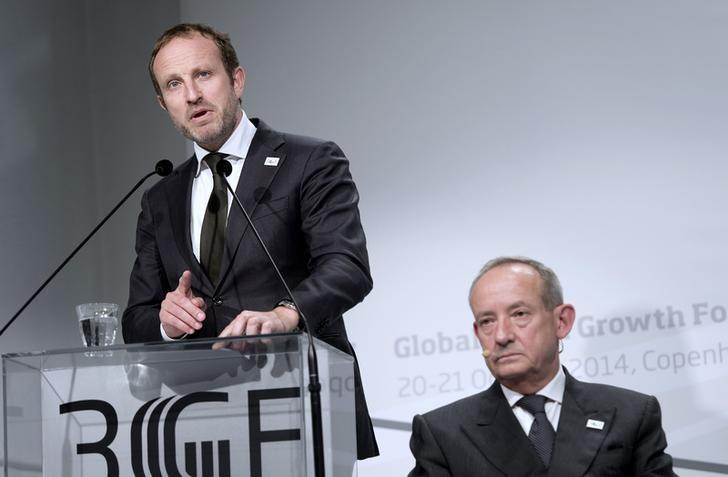 Danish Minister for Foreign Affairs Martin Lidegaard (L) speaks next to Director General of the Global Green Growth Institute Yvo de Boer at the Global Green Growth Forum in Copenhagen, October 21, 2014. REUTERS/Keld Navntoft/Scanpix Denmark