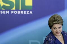 A presidente Dilma Rousseff em café da manhã com a mídia no Palácio do Planalto. 22/12/2014 REUTERS/Joedson Alves