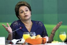 Presidente Dilma Rousseff fala durante café da manhã com jornalistas no Palácio do Planalto, em Brasília 22/12/2014. REUTERS/Joedson Alves