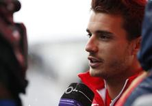 O piloto de F1 da Marussia, o francês Jules Bianchi, concede entrevista coletiva no circuito de Suzuka, no Japão, em outubro, dias antes de sofrer um acidente grave. 02/10/2014 REUTERS/Yuya Shino