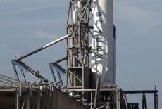 O lançamento de um foguete da SpaceX, na Flórida, foi cancelado por causa de um defeito técnico de último minuto nesta terça-feira, atrasando um carregamento para a Estação Espacial Internacional e uma tentativa pioneira de voar um propulsor descartado de volta para a Terra. REUTERS/Scott Audette (UNITED STATES - Tags: SCIENCE TECHNOLOGY)