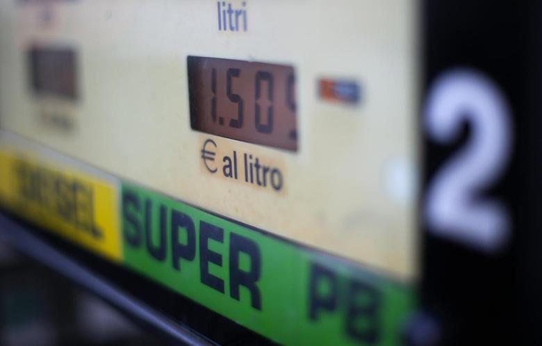 Fuel prices are seen on a petrol station pump in Rome January 6, 2015. REUTERS/Max Rossi