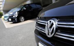Le groupe Volkswagen a vendu 3,67 millions de voitures en Chine l'an dernier, soit une croissance de 12,4% supérieure au marché et à ses propres prévisions. /Photo d'archives/REUTERS/Toru Hanai