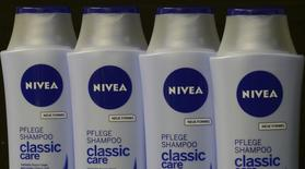Nivea products of German company Beiersdorf AG are pictured in Hamburg, October 31, 2012. Picture taken October 31.  REUTERS/Fabian Bimmer (GERMANY - Tags: BUSINESS SCIENCE TECHNOLOGY HEALTH) - RTR3A5LA