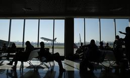 Passageiros aguardam voos no aeroporto de Congonhas, em São Paulo. 24/06/2014 REUTERS/Sergio Moraes