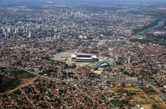 Vista aérea da Arena Pantanal, em Cuiabá. 25/06/2014 REUTERS/Ann Gassenheimer