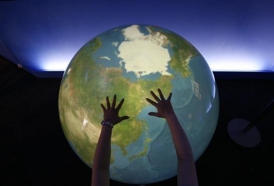 人類滅亡まで「終末時計」あと3分、気候変動や核の脅威で
