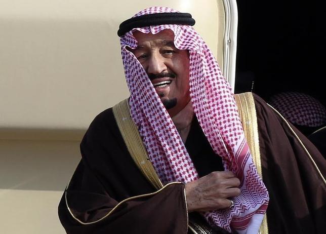 1月23日、サウジアラビアでアブドラ国王の死去を受け、サルマン皇太子(写真)が即位した。東京で昨年2月撮影(2015年 ロイター/Yuya Shino)