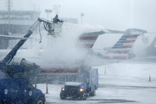 米北東部で猛吹雪、NYなど4州で非常事態