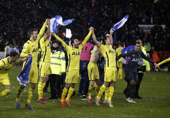 サッカー=英リーグ杯、トットナムが決勝へ