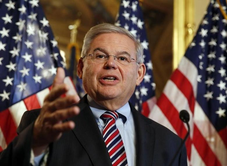 U.S. Sen. Robert Menendez (D-NJ) speaks about immigration reform at a news conference on Capitol Hill in Washington December 10, 2014.  REUTERS/Larry Downing