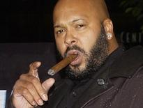 "Rap mogul Marion ""Suge"" Knight, the head of Death Row Records, is shown at the premiere of ""Half Past Dead"" in Los Angeles in this November 7, 2002 file photograph. REUTERS/Jim Ruymen/Files"