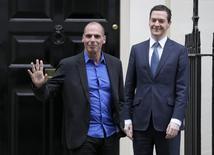 Ministro das Finanças grego, Yanis Varoufakis, e ministro das Finanças britânico, George Osborne, em Downing Street, em Londres. 02/02/2015 REUTERS/Peter Nicholls