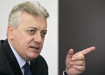 Novo presidente da Petrobras, Aldemir Bendine, em entrevista à Reuters Latin American Investment Summit quando presidia o BB, em São Paulo. 1/4/2011 REUTERS/Nacho Doce