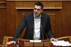 Greek Prime Minister Alexis Tsipras delivers his first major speech in parliament in Athens February 8, 2015. REUTERS/ Alkis Konstantinidis