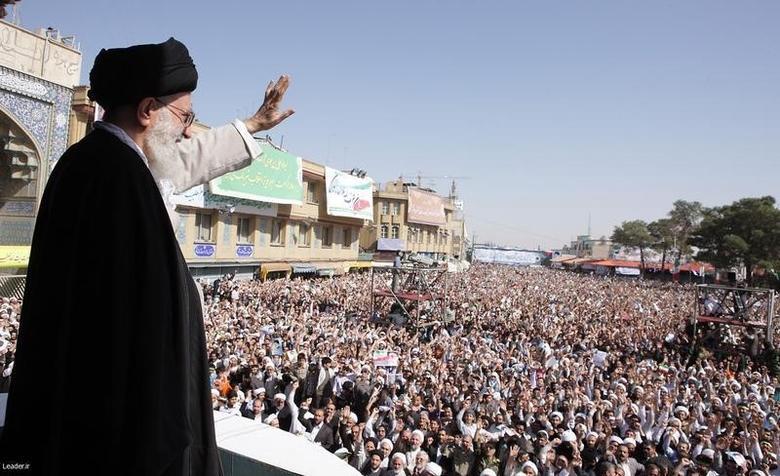 Iran's Supreme Leader Ayatollah Ali Khamenei waves to the crowd in the holy city of Qom, 120 km (75 miles) south of Tehran, October 19, 2010. REUTERS/Khamenei.ir