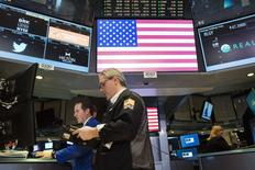La Bourse de New York a fini mardi en hausse, l'indice Dow Jones gagnant 0,12%. Le S&P-500, plus large, a pris 0,13% et le Nasdaq Composite a avancé de son côté de 0,1%. /Photo prise le 11 février 2015/REUTERS/Lucas Jackson