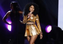 """A rapper Nicki Minaje apresenta """"Bang Bang"""" durante o American Music Awards, em Los Angeles, nos Estados Unidos, no ano passado. 23/11/2014 REUTERS/Mario Anzuoni"""