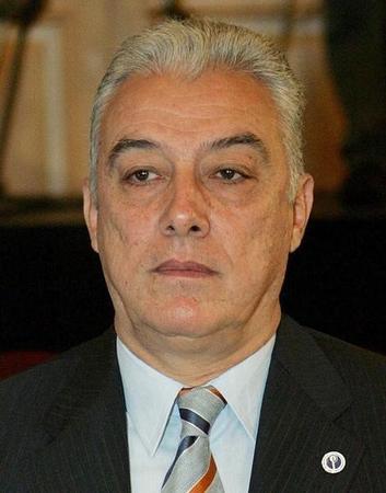 عالمي: محكمة مصرية تبرىء وزيرا سابقا أعيدت محاكمته بتهمة لإسرائيل ?m=02&d=20150221